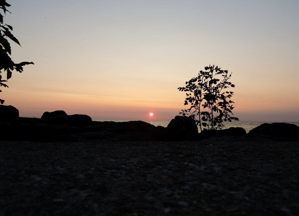 File:Lake Huron Sunset (37404654800).jpg